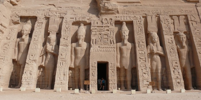 Abu_Simbel_Small_temple_2